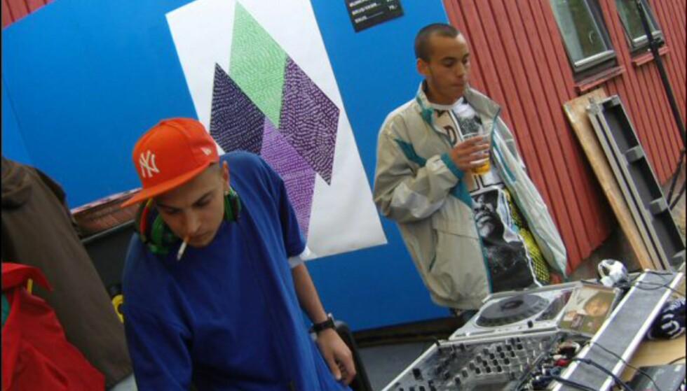 Dj Soulshock og DJ Cake kom fort i gang. Foto: Thomas Marynowski