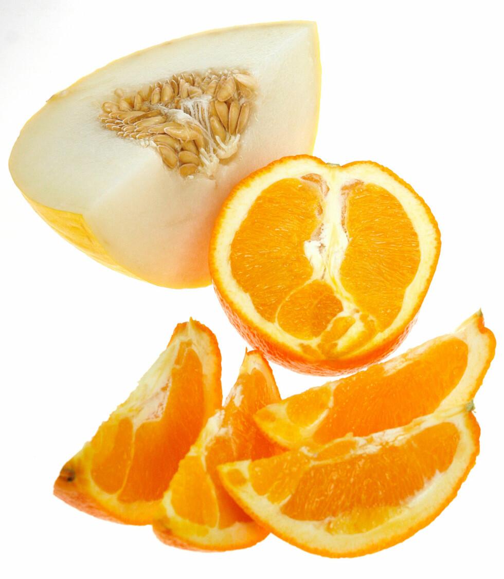 En kvart honningmelon og en appelsin.