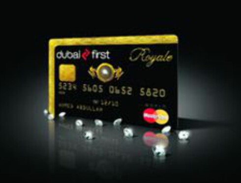Rosinen i pølsa, Dubai First`s Royale Mastercard med diamant. Foto: Dubai First