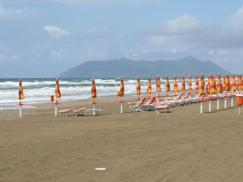 Lange sandstrender lokker i Terracina. Foto: Elin Fugelsnes Foto: Elin Fugelsnes