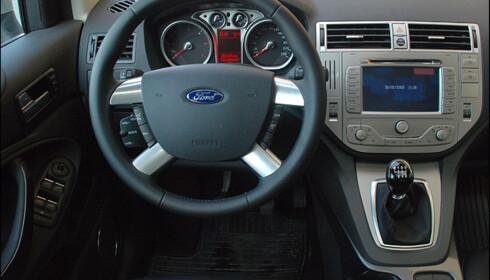 Store bilder av Ford Kuga