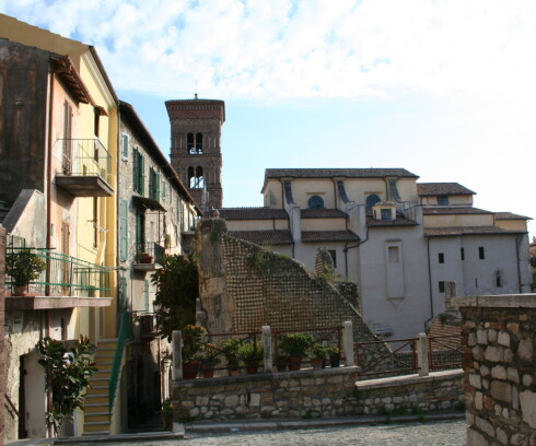 Gamlebyen i Terracina er et fantastisk lappeteppe av mer enn 2000 år gamle ruiner, kirker og nyere hus.