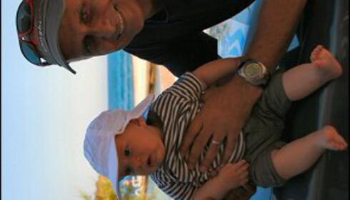 George Vella gleder seg til sønnen Benjamin er stor nok til å dykke. Foto: Marte Okkelmo