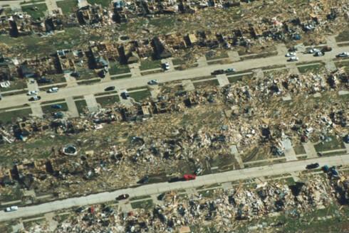 Tornadoen i 1999 førte til totalødeleggelse av dette nabolaget. Foto: wikipedia.com Foto: wikipedia.com