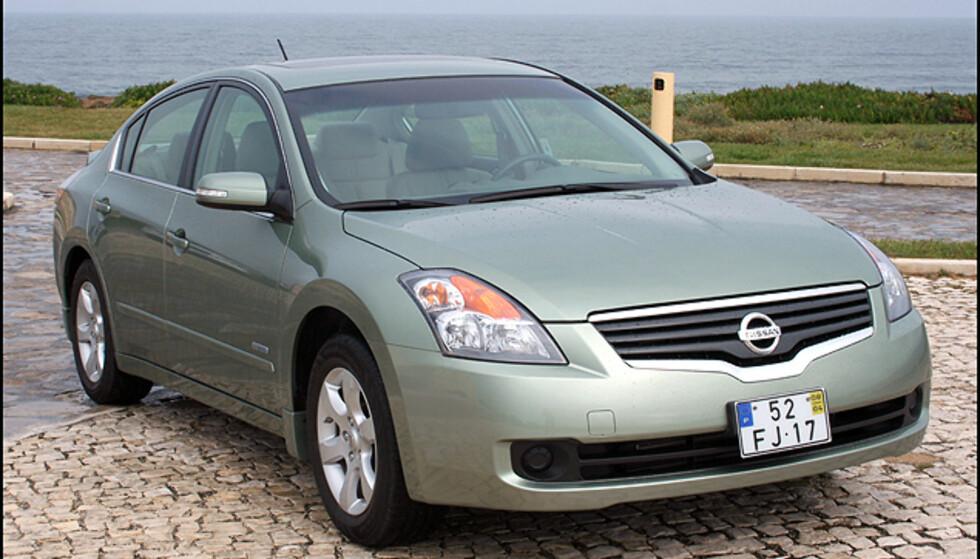 <strong>Nissan har en fin mellomklasse-hybrid:</strong> Altima.