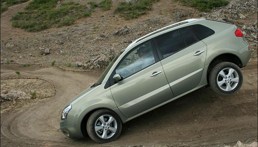 Renault Koleos har reelle terrengegenskaper - men kan ikke skilte med lavgir.