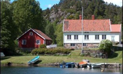 Koselig, og rett ved sjøen. Foto: Stranna Eiendom