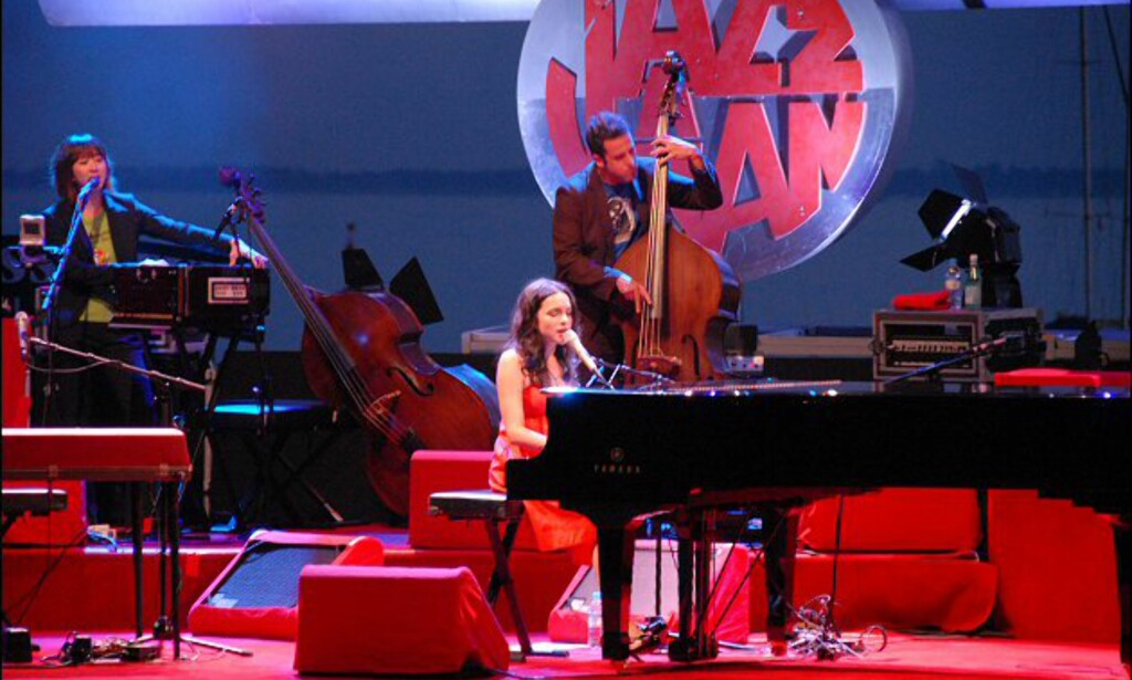 Norah Jones sang sommernatten inn under Jazz à Juan i 2007. Foto: Brynjulf Blix