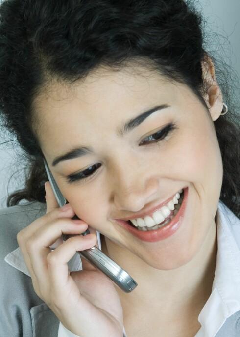 Bruk håndsfri og velg hustelefonen fremfor mobilen, oppfordrer forsker. Illustrasjonsfoto: colourbox.com