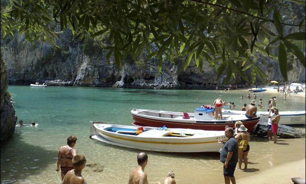Utrolig men sant, denne stranda heter Sove Godt og ligger på Palinurohalvøya. Foto: www.photito.com