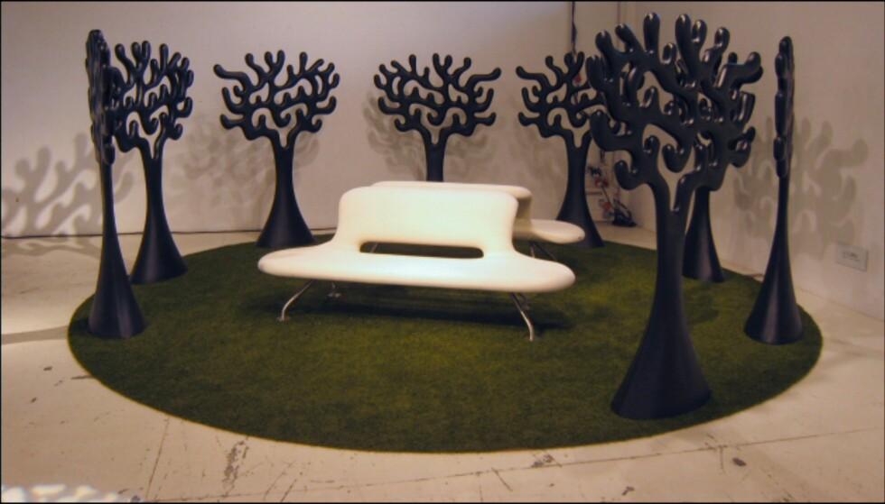 Fra finske Martela: Trær av Eero Arnio og sofa av norske Geir Sætveit. Foto: Elisabeth Dalseg