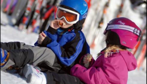 Ungene koser seg ekstra mye når temperaturen i fjellet stiger. Foto: Esben Haakenstad/Hafjell