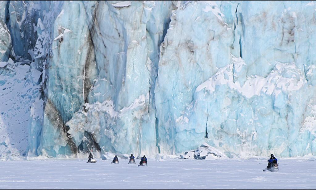 Det kan også bli større restriksjoner på scooterkjøring på Svalbard.