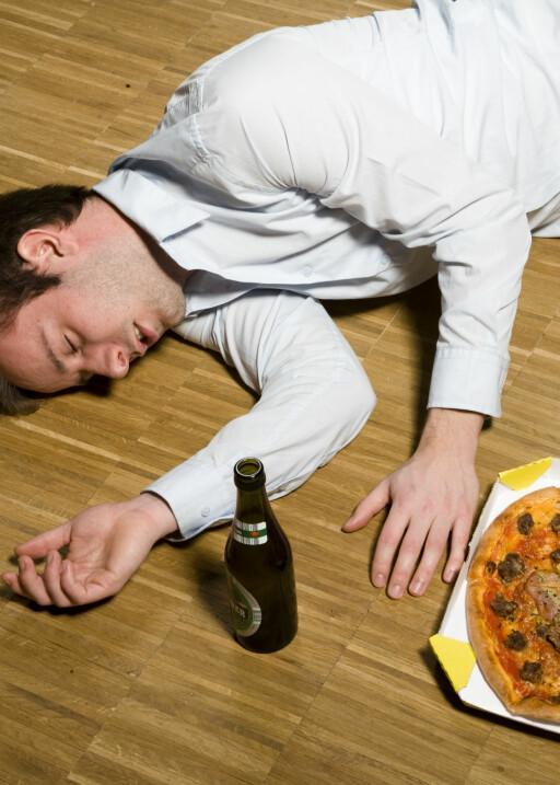 Drikker du øl i moderate mengder og ikke ender opp slik, kan drikken ha en positiv effekt på deg, mener flere forskere. Illustrasjonsfoto: colourbox.com Foto: Illustrasjonsfoto: colourbox.c