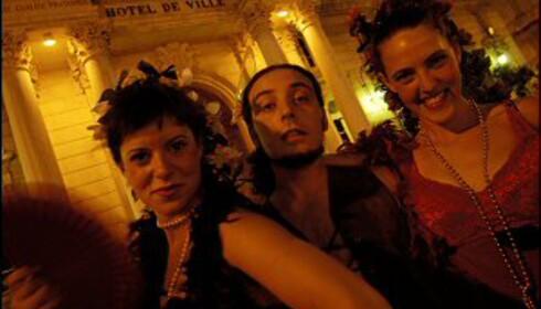 Teaterfestivalen i Avignon finner sted både ute på gata og på etablerte scener. Foto: Vibeke Montero