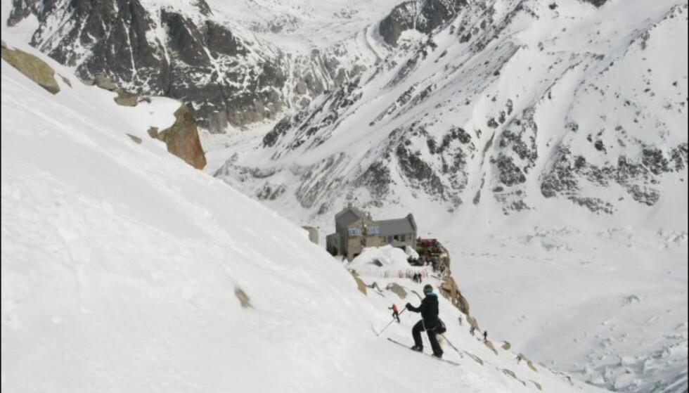Halvveis nede, og tid for lunsj på 1.913 meters høyde. Foto: Eigil Knudsen Ingnes