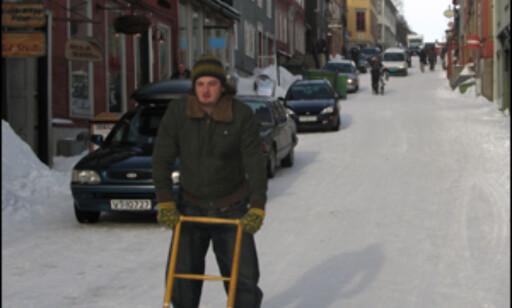 Sparken gir god fart ned Kjerkgata. Foto: Kristin Sørdal