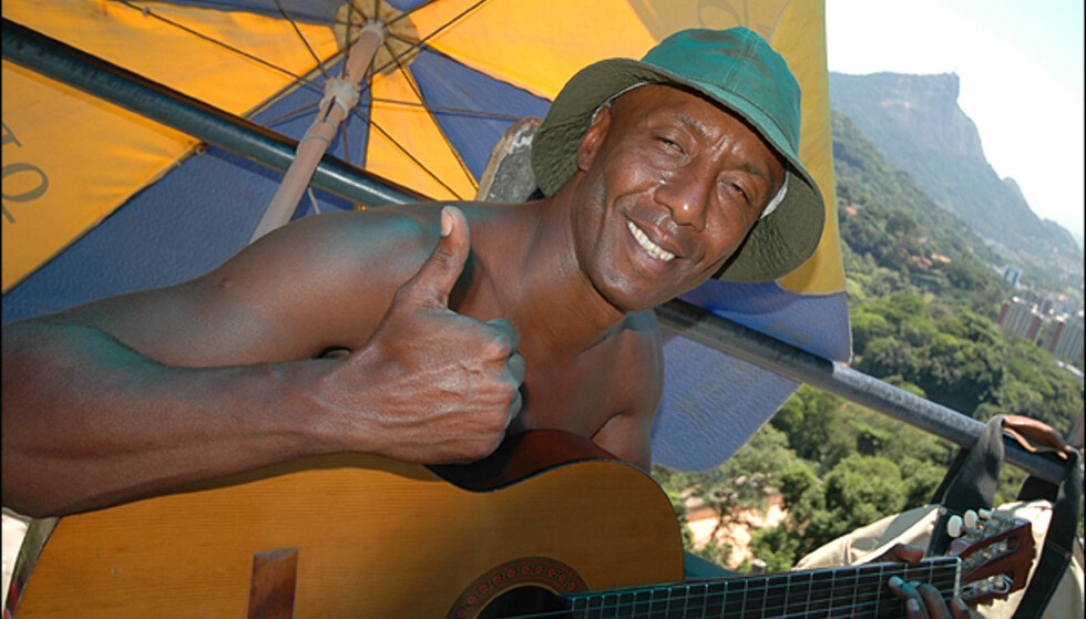 Mange smiler stort, tross den store fattigdom som er et kjempeproblem i favelaen. Foto: Hans Kristian Krogh-Hanssen