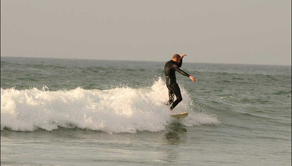 Små, men artige bølger nord for Tahgazout.