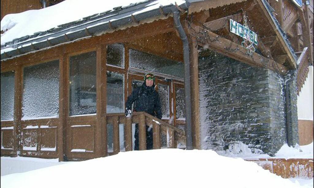 Når det er snøstorm i Alpene frister det mest å være innendørs. Foto: Martin Hovden