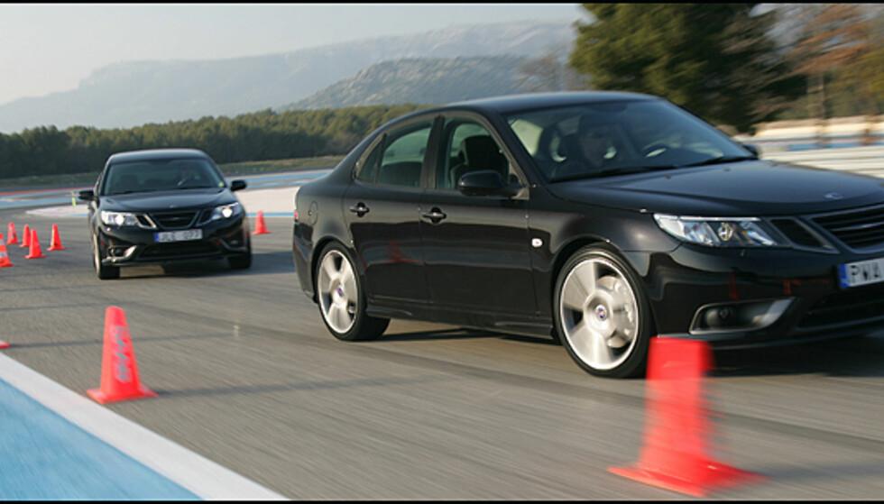 "Saab 9-3 ""Black Turbo"" eller Turbo X manøvrerer elegant med Saab XWD."