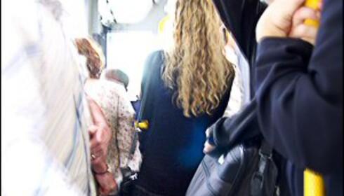 I mange storbyer opplever kvinner å bli antastet når de tar offentlig transport. Illustrasjonsfoto: Nick Cowie