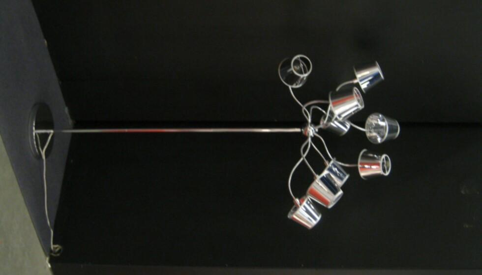 Lampe med vri fra by Rydens. Finnes også så bordlampe og lysekrone.