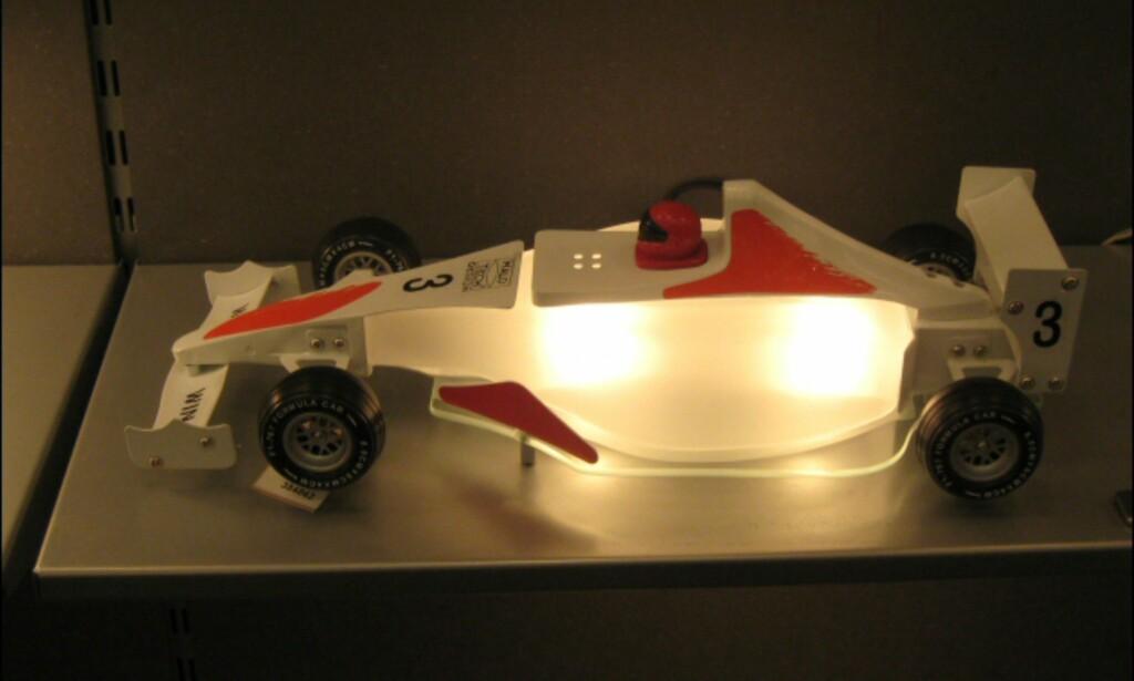 Racerbil for de minste fra Halo Tech. Fås også som taklampe.