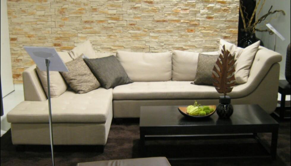 Sofa fra Furninova, som skapt til å slange seg i? Foto: Elisabeth Dalseg Foto: Elisabeth Dalseg