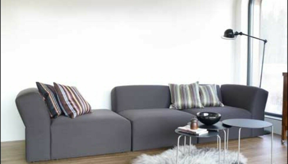 Modulsofaen OK av Norway Says for L.K. Hjelle ble lansert i fjor. Dette er dn første av sofaene de to aktørene har samarbeidet om som er rettet mot hjemmemarkedet. Foto: Hjelle