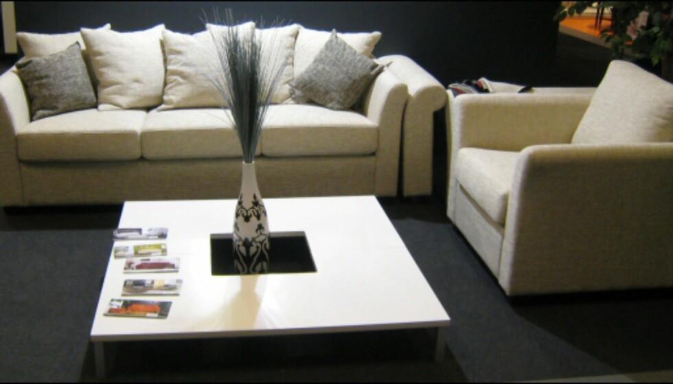 Denne sofaen fra sba kan du få med ulike typer armlener. Foto: Elisabeth Dalseg Foto: Elisabeth Dalseg