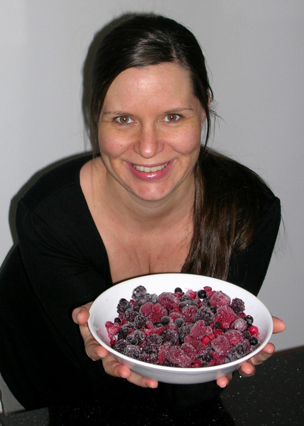 Blårbær og solbær er kraftige antioksidanter som kan beskytte mot en rekke sykdommer, ifølge stipendiat Anette Karlsen.Foto: Privat Foto: Privat