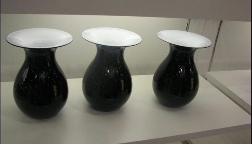 """""""Gamle"""" vaser fra Holmegaard, men med helt ny farge. Svart er fremdeles hot!"""