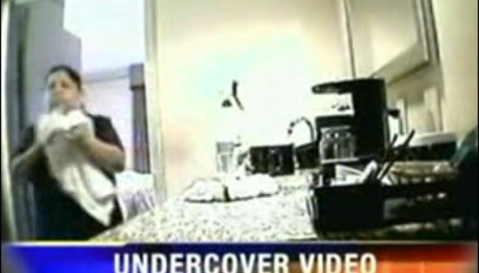 Skjult kamera har hjulpet nettstedet divinecaroline å avsløre halsbrekkende renhold på hoteller. Se videoen nederst i artikkelen.