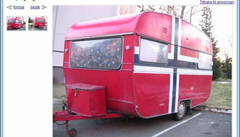 En hel campingvogn, helt gratis, og til og med i norske farger... Den trenger imidlertid oppussing, forteller nåværende eier. Faksimile fra: finn.no.