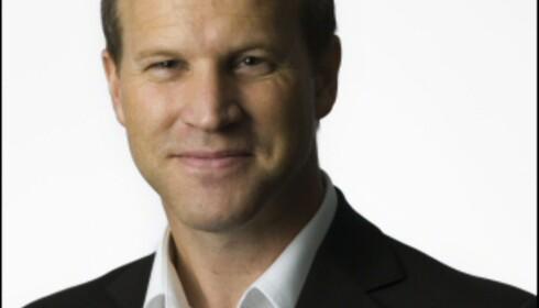 Anders Krokan i Telenor råder alle til å være forsiktig med nett på mobil i utlandet. Det er uoversiktelig og blir fort dyrt. Foto: Ole Walter Jacobsen Foto: Ole Walter Jacobsen