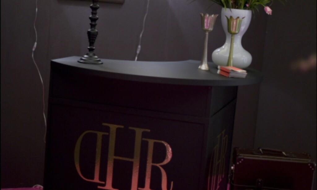 Resepsjonen på Hotel en Rose. Stram glamour. Foto: Alexander Ruas  Foto: Alexander Ruas
