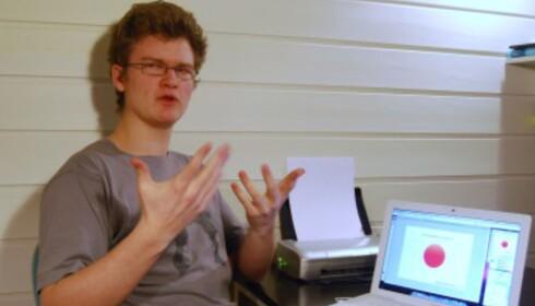 Morten Norheim (19) jobbet med grensesnittet i MediaMonkey 3.0 i et halvt år.  (fotot: Henrik Hauken)