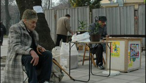 Mai i varna. Utenom sesong er ikke livet like lyst for lokalbefolkningen. Foto: Hans Kristian Krogh-Hanssen