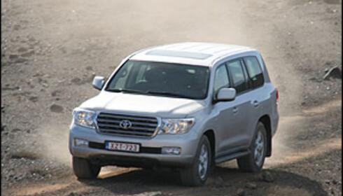Ny Toyota Land Cruiser V8 priset