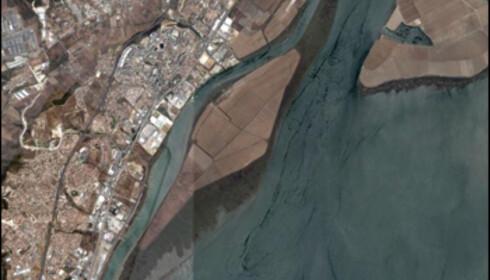 <strong>LISBOA:</strong> Denne enorme øya er til salgs. Prislappen er cirka 1,9 milliarder norske kroner. <i>Foto: Google Maps</i>