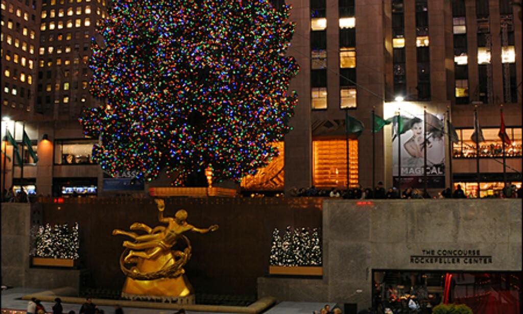Juletreet og skøyteringen ved Rockefeller Center.