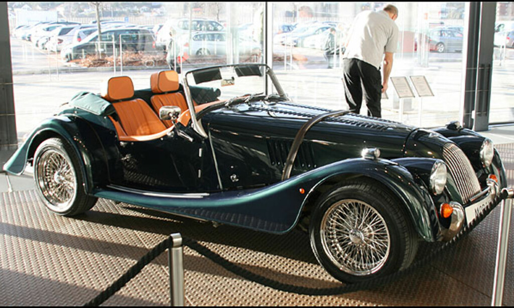 Morgan V6 Roadster - like rask som en Porsche 911!