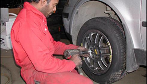 Løsning av bolter trenger ikke innebære tungt manuelt arbeid