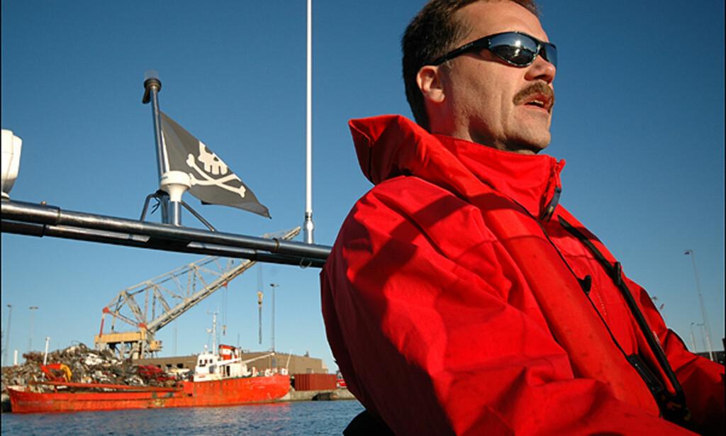 Ole Skjærbæk på vei ut på dykketokt. Foto: Hans Kristian Krogh-Hanssen