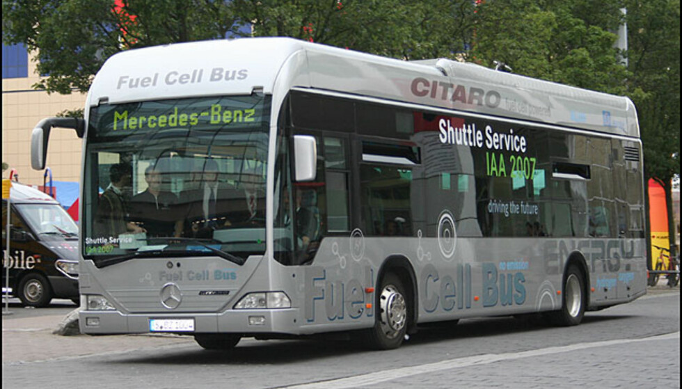 Brenselcellebuss frakter messebesøkere