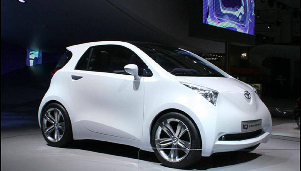 Toyota IQ konsept. Billig minibil som skal i produksjon om et par år.