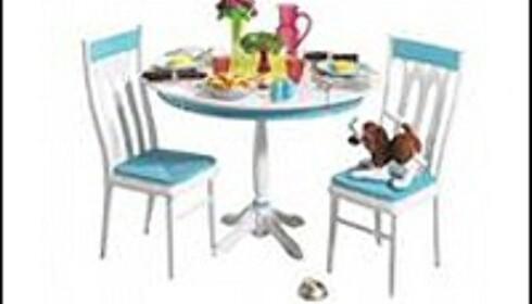 Barbie Table and Chairs: Maten er malt med maling med for høyt blyinnhold. Faksimile fra Mattel.com