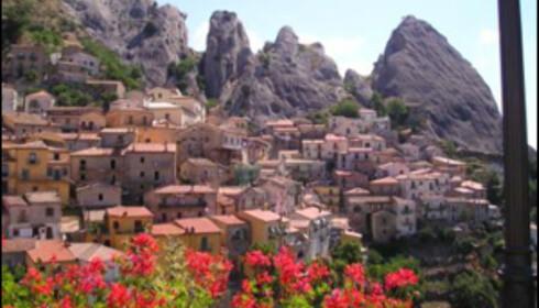 Castelmezzano har en utrolig vakker beliggenhet. Foto: www.castelmezzano.net