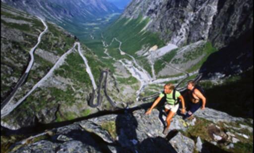 Trollstigen er en spektakulær vei for turister. Foto: Terje Rakke - Nordic Life AS/Fjord Norge AS